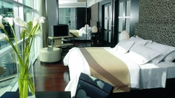 NH City Hotel 5*